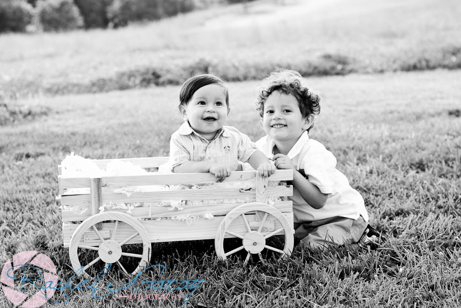 Rockville family pictures featuring Baby Sol and Wylie